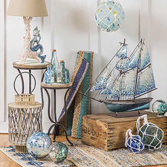 <p>Set sail in stunning coastal d&eacute;cor</p>
