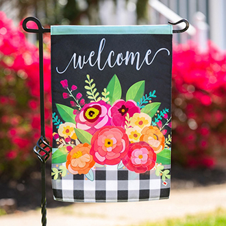 <p>Bold &amp; colorful Spring flags</p>